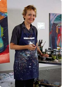 Marge-Moody-Artist-portrait-in-studio